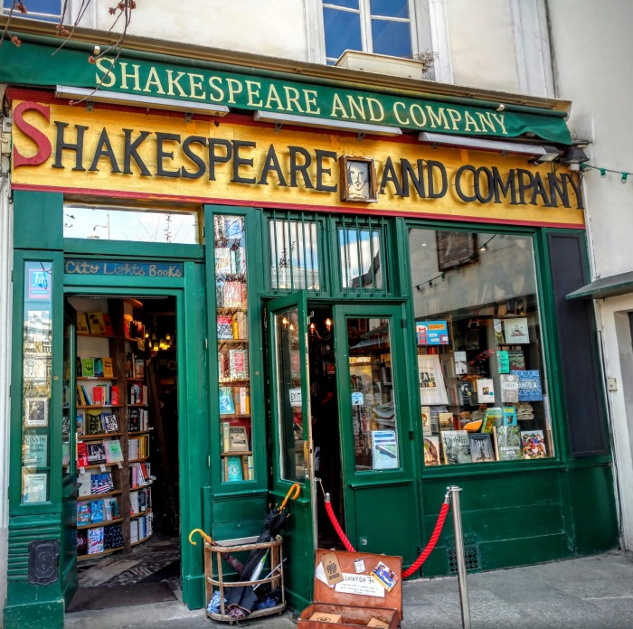 shakespeare-and-company-1701307_1920